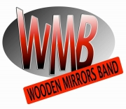 Wooden Mirrors Band in concerto